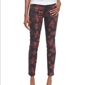 7 for all Mankind Rose skinny jeans. 🌹